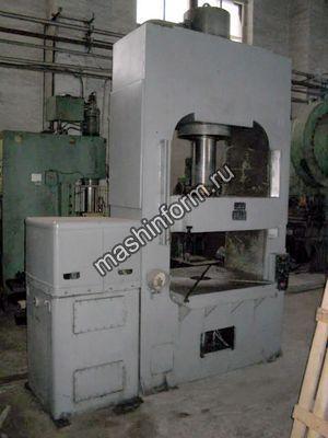 Пресс гидравлический для изготовления изделий из пластмасс ДБ2434